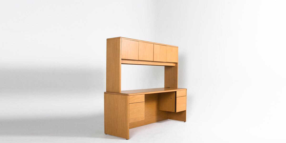 """68.5""""w x 37""""h Medium Oak Desktop Hutch HUT012437"""