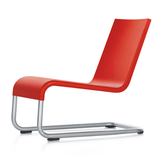 .06 Lounge Chair
