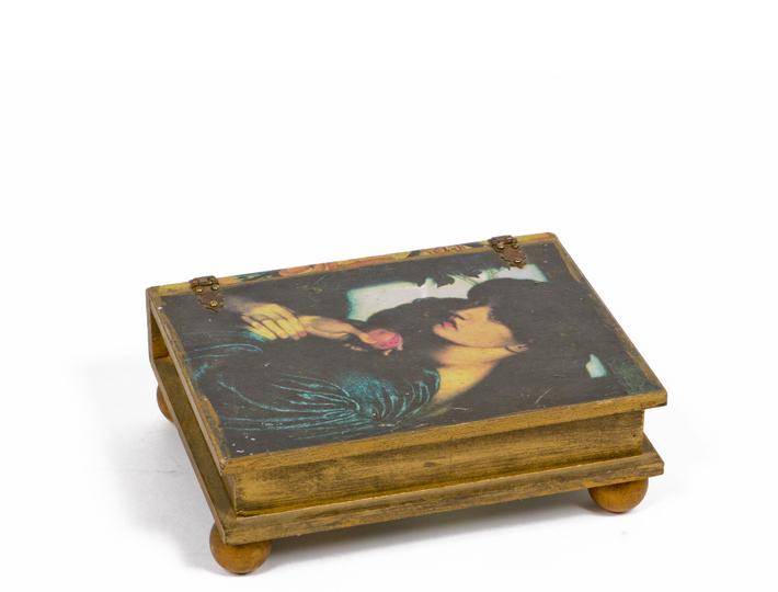 "4""h Wooden Box ACC001024"
