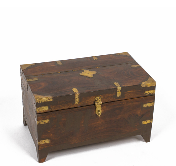 "9.25""h Treasure Chest ACC001027"