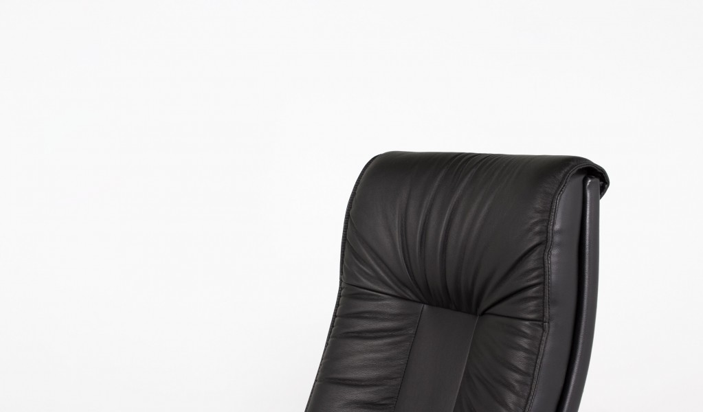 Black Leather Executive High-Back Office Chair CHR005006