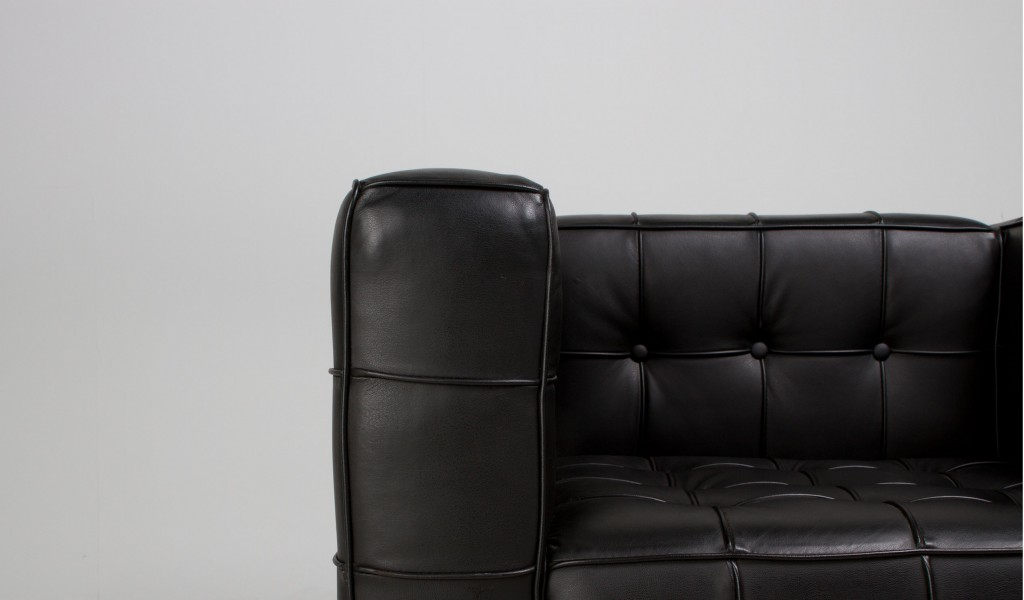"55""w x 30""d Black Leather Loveseat LVS008888"