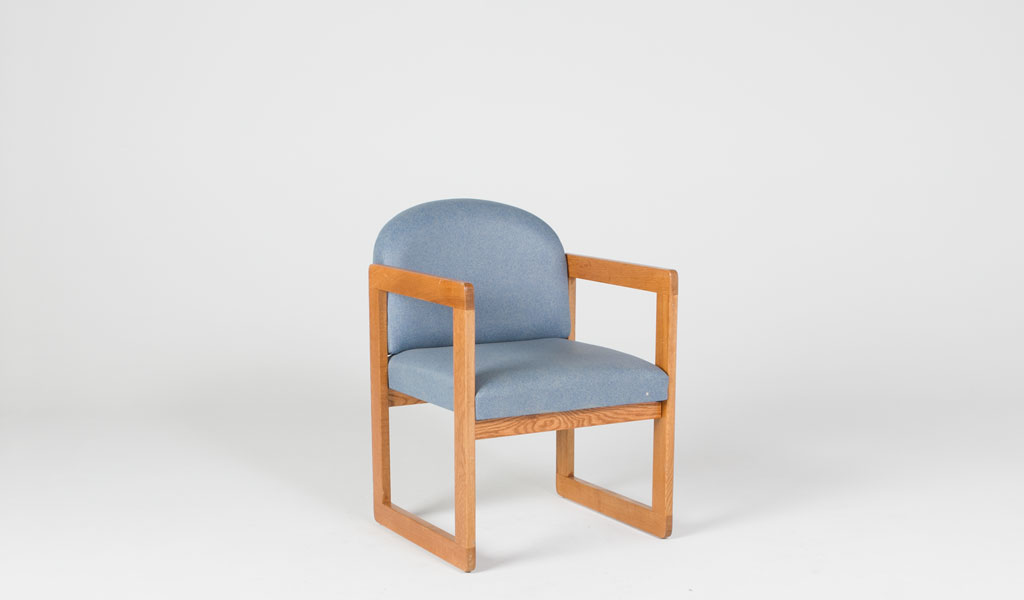 Blue Vinyl Guest Chair CHR011958