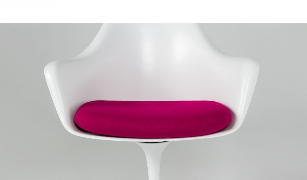 White Saarinen Guest Chair CHR012562