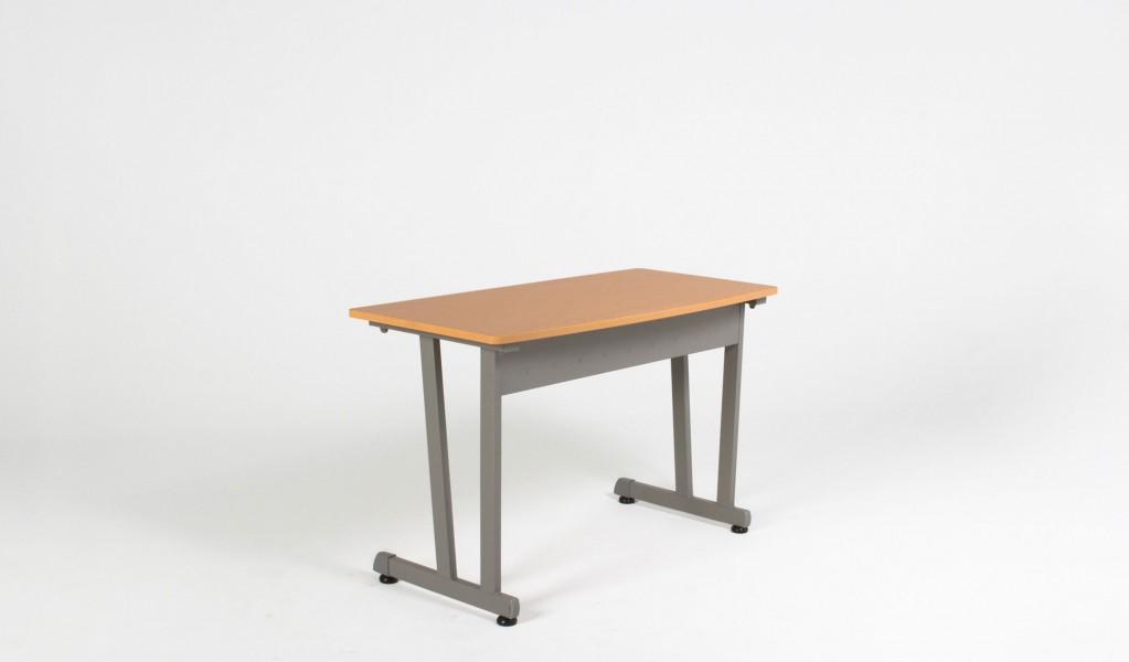 """47.25""""w x 22.25""""d Honey Oak Table Desk TBL012974"""
