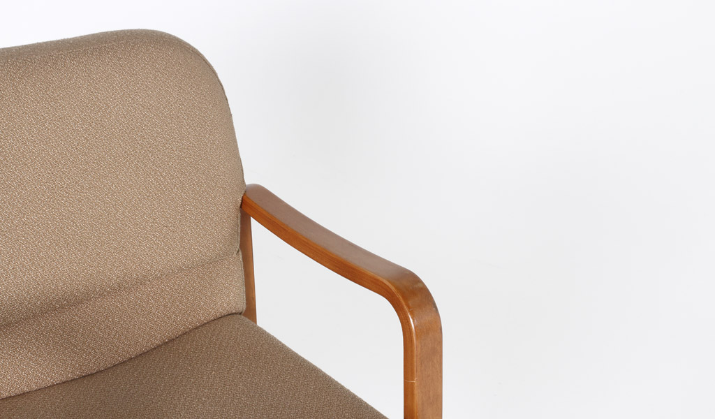 Tan Fabric Guest Arm Chair CHR000881