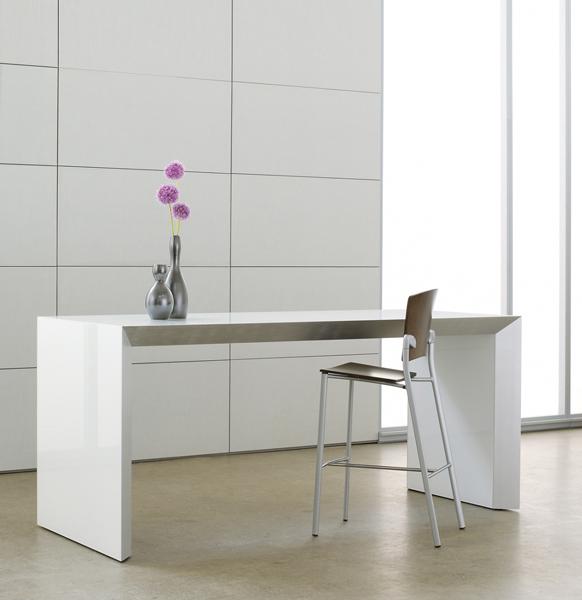 Tavola Table