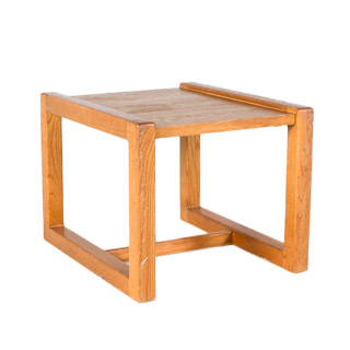 "27""w x 22""d Medium Oak Side Table TBL006841"
