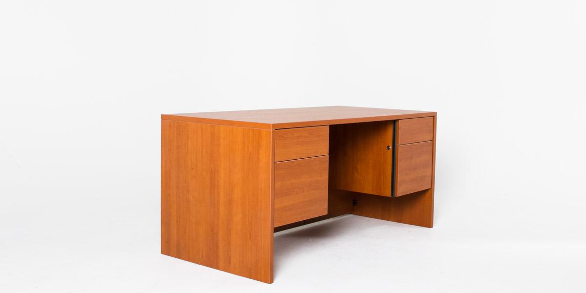 """60""""w x 30""""d Cognac Laminate Desk DSK010872"""