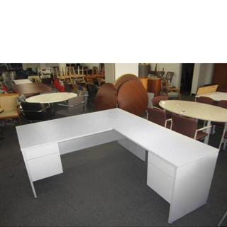 White Laminate Desk (qty:1) DESK103