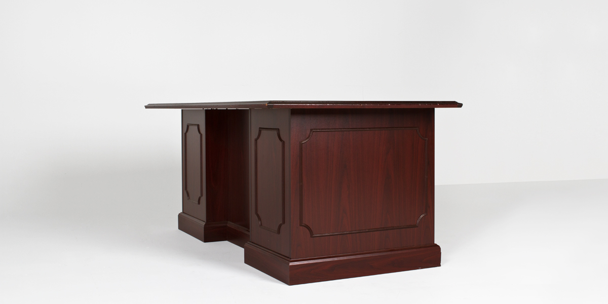 "76""w x 36""d Traditional Mahogany Laminate Desk TRD012685"