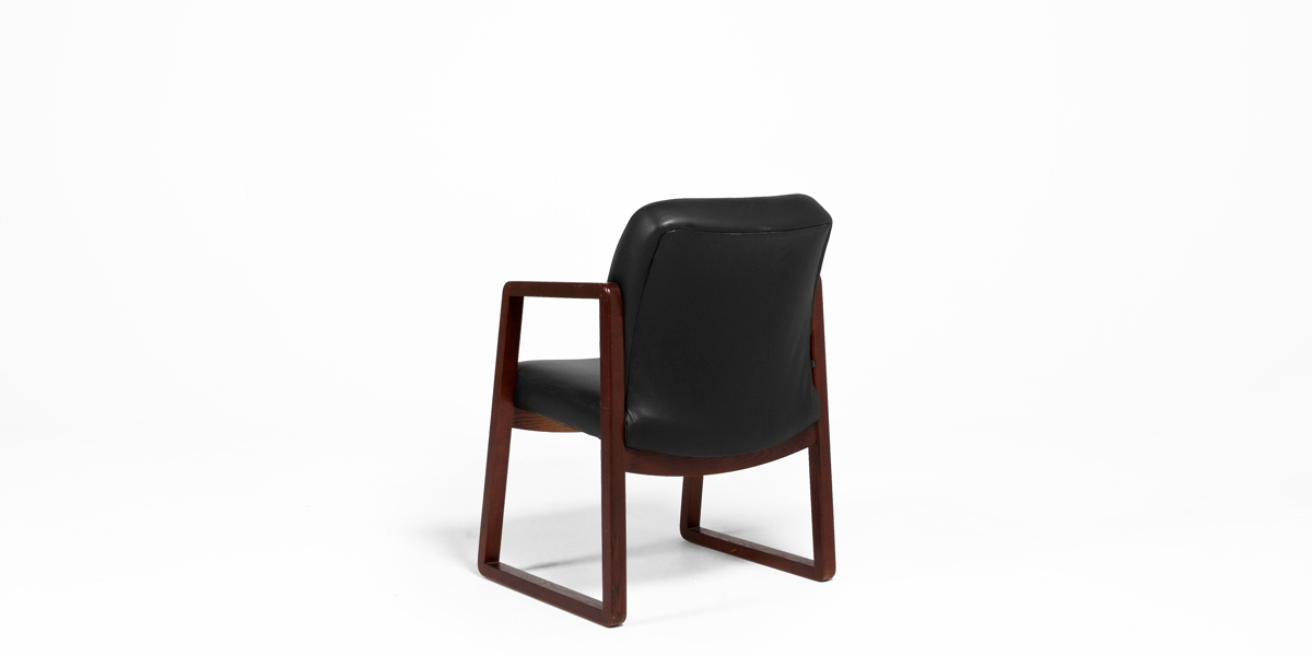 Black Leather Guest Chair CHR004128