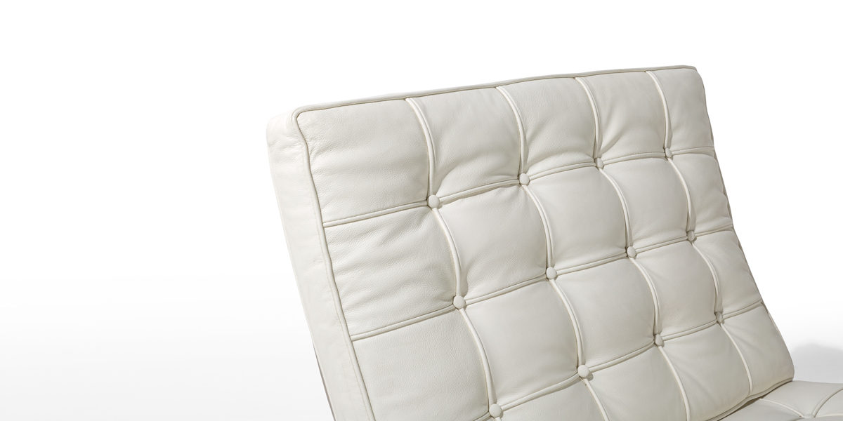 White Leather Barcelona Lounge Chair CHR010309