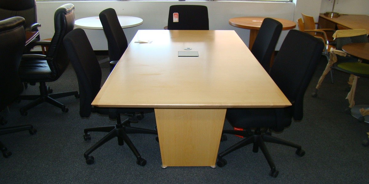 7' Conference Table (qty:1) TABLE102