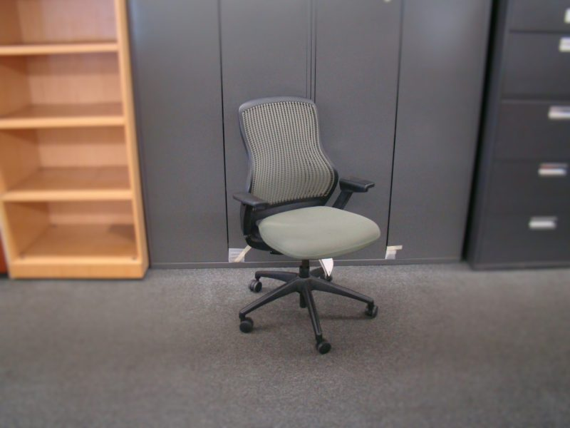 Regeneration by Knoll Task Chair (qty:1) TASK157