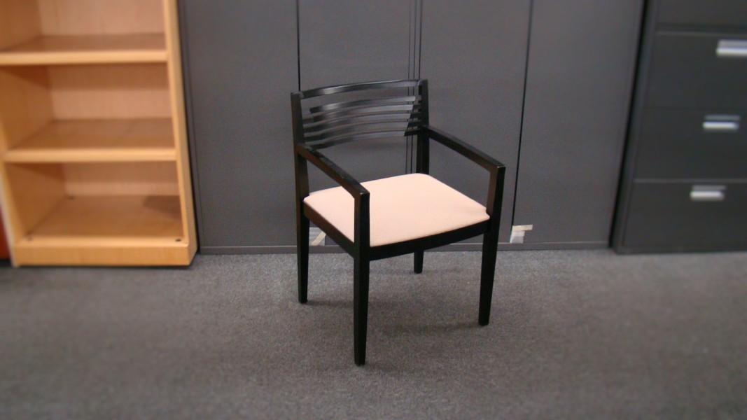 Knoll Ricchio Guest Chair (qty:2) GUEST137