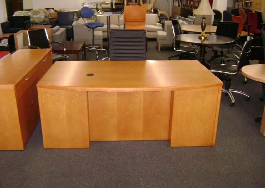 Bow Front Desk (qty:1) DESK105