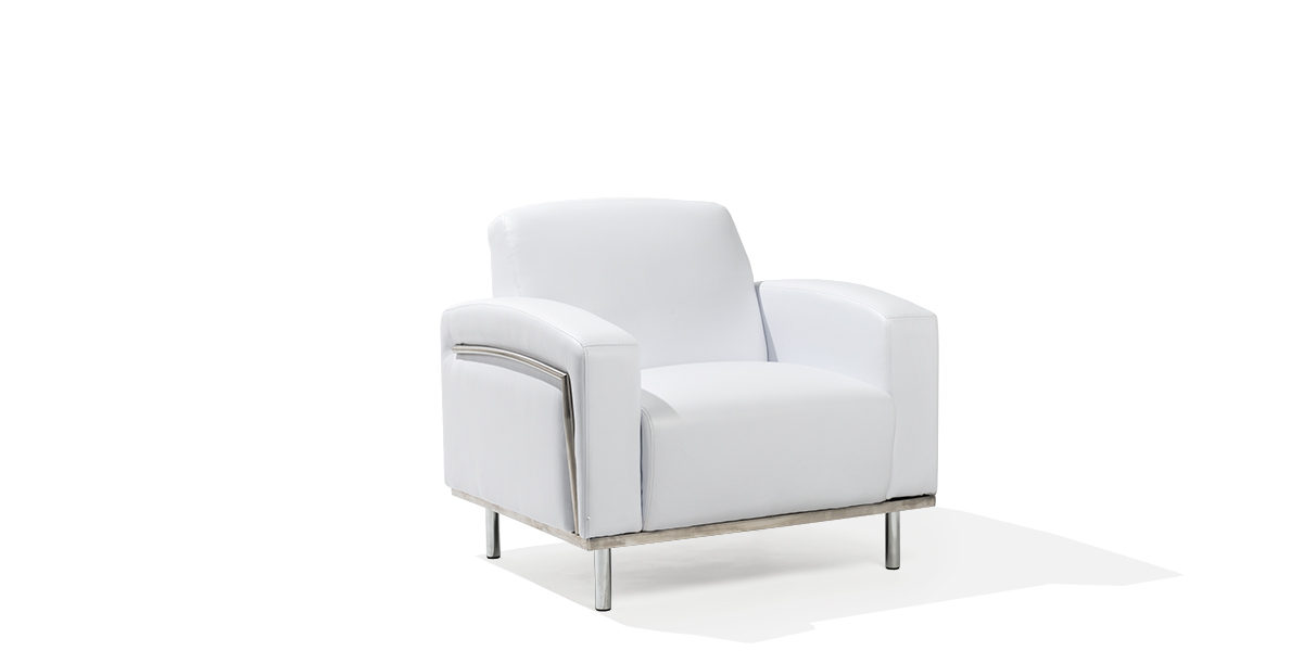 White Leather Club Chair CHR014007