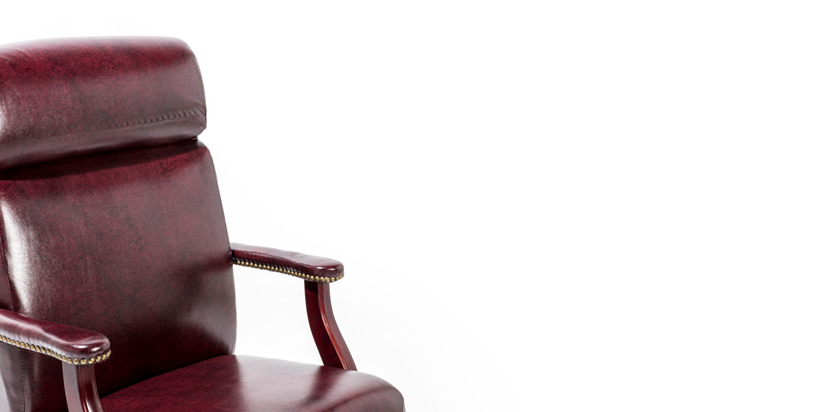 Traditional Oxblood Hi-Back Swivel Chair CHR013970