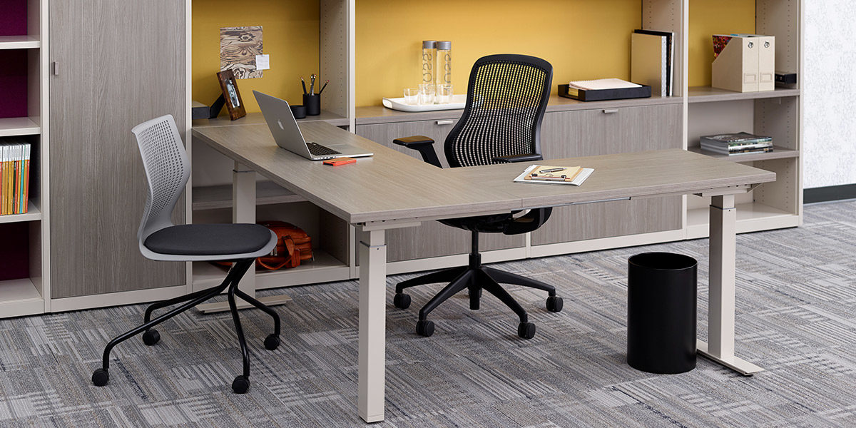 Tone Height-Adjustable Tables