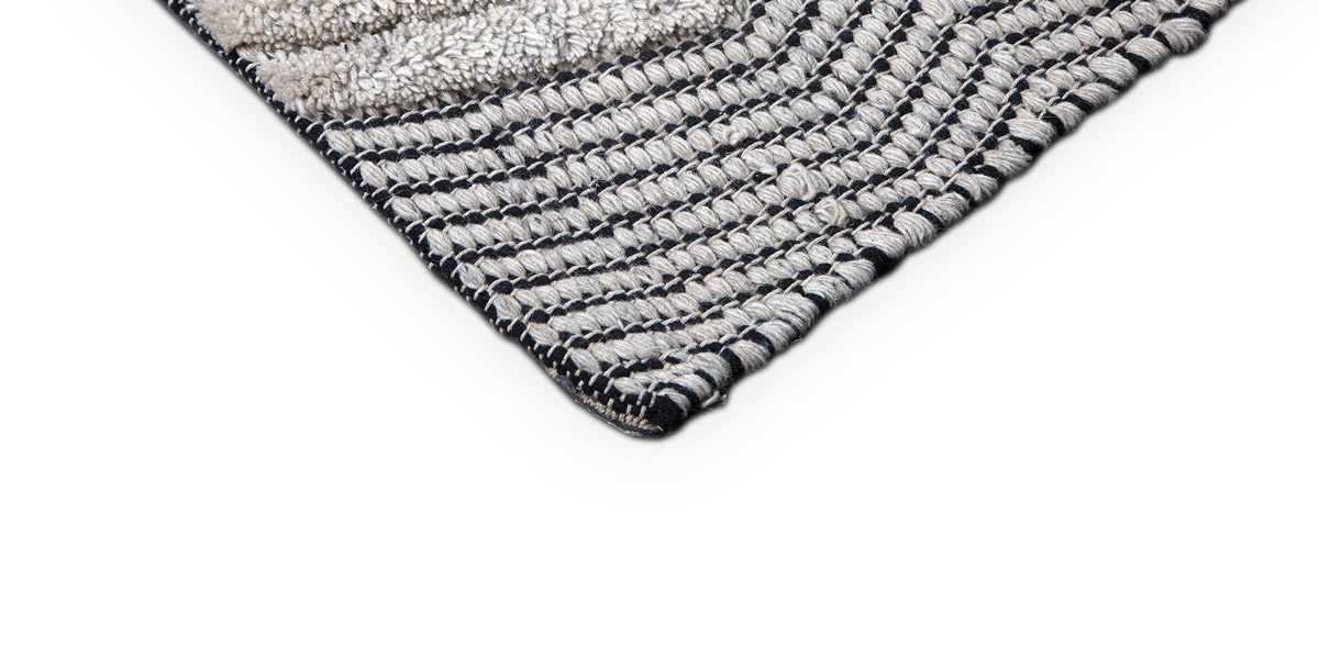 5' X 8' Black/White Rug MIS014616