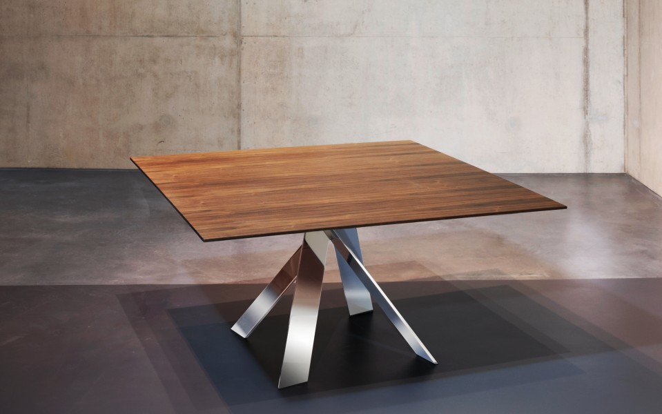 Ekko Meeting Table